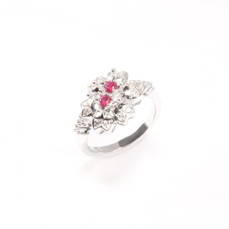IRIS 18K White Gold Ring with Ruby and Diamond